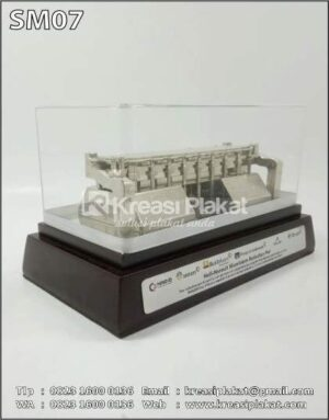 Souvenir Miniatur Inalum