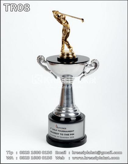 Piala Turnamen Golf